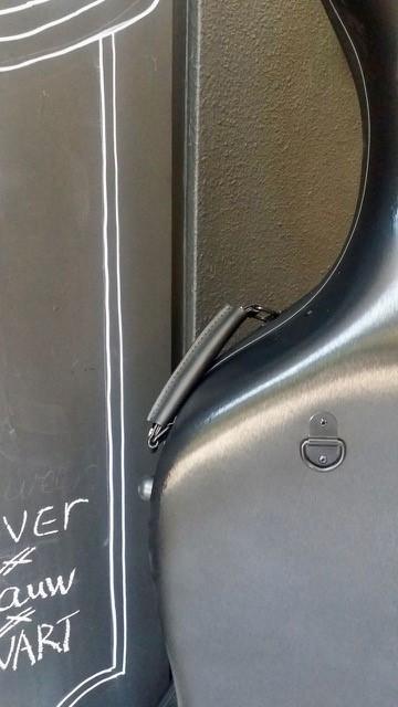 Lichtgewicht koffer 358,00 in zilver donkerblauw en zwart a