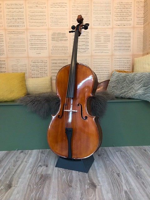 Mooie Chinese cello 2295,00 b