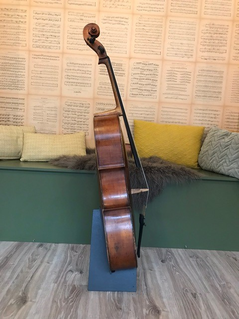Zuid Duitse cello 13.000,00 Scarlett Arts g