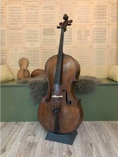 Celloverkoop-oude Boheemse cello-100 jaar oud-Scarlett Arts