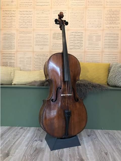 Celloverkoop-zuid-Duitse cello-Gaffino-Scarlett Arts